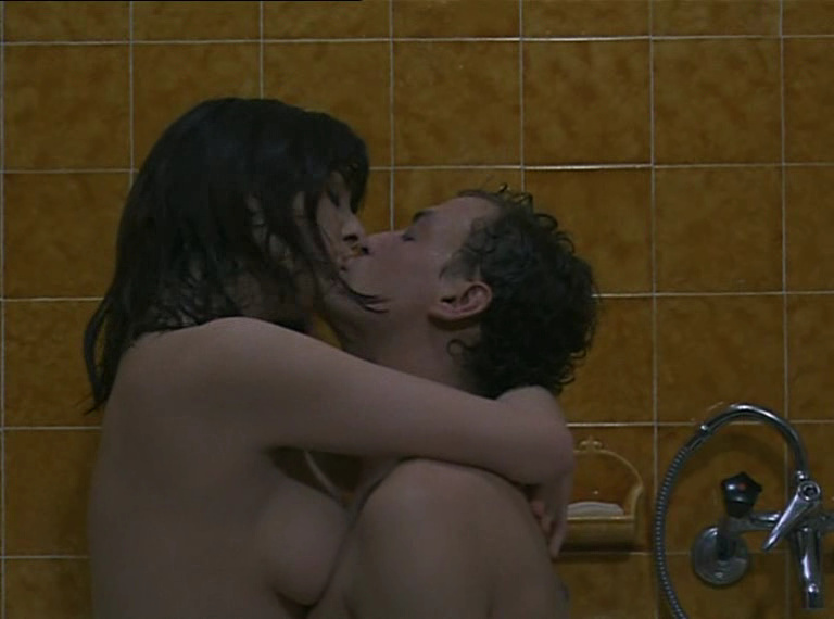 Olimpia Carlisis nude scenes