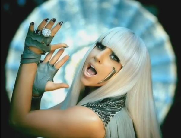 Lady Gaga : Nue pour trouver l'inspiration