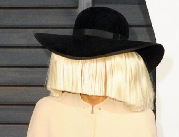Sia se dévoile sans perruque sur les réseaux sociaux