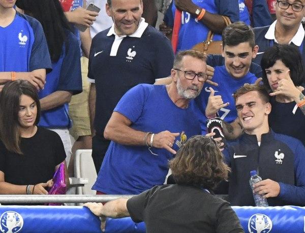 Euro 2016 : Les Bleus célèbrent leur victoire avec leurs proches