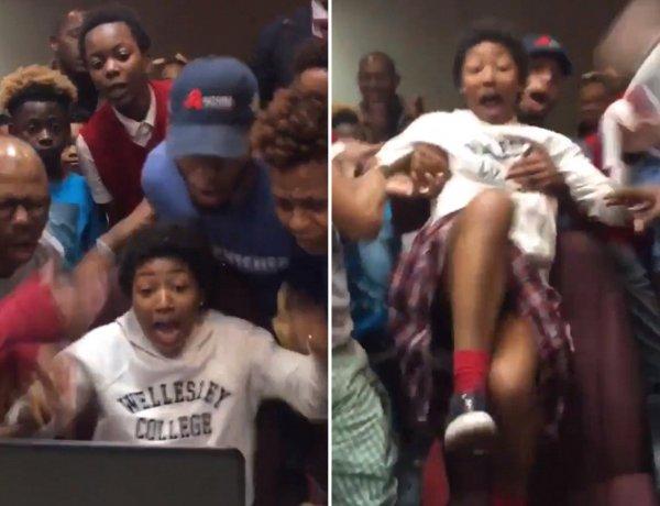 L'incroyable réaction des proches d'une jeune femme acceptée à la fac