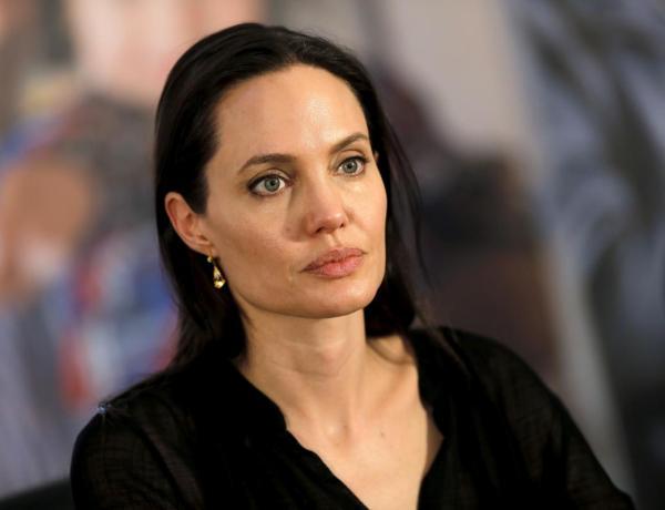 Angelina Jolie prive ses enfants des appels téléphoniques de Brad Pitt