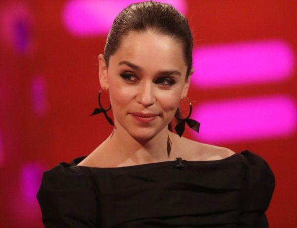 Game of Thrones : Qui a oublié son gobelet ? Emilia Clarke balance le coupable