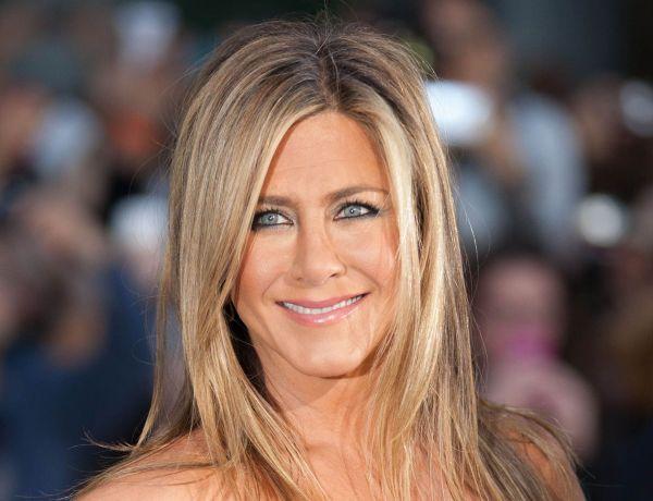Jennifer Aniston vend un portrait d'elle nue aux enchères pour la bonne cause