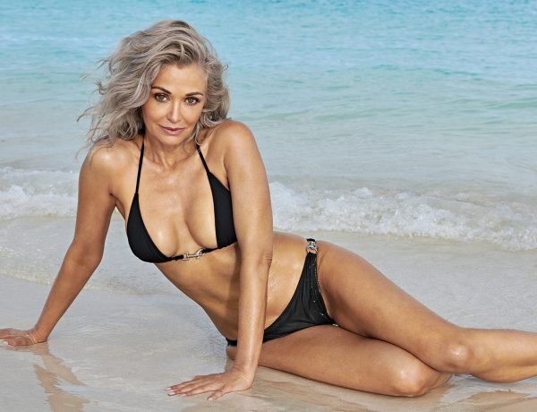 Kathy Jacobs : À 56 ans, elle pose en maillot de bain pour Sports Illustrated