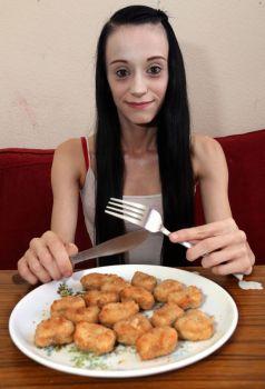 L'étrange trouble alimentaire de cette femme qui ne mange que des nuggets