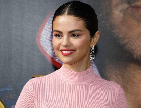 Selena Gomez assume enfin sa cicatrice suite à sa greffe de rein