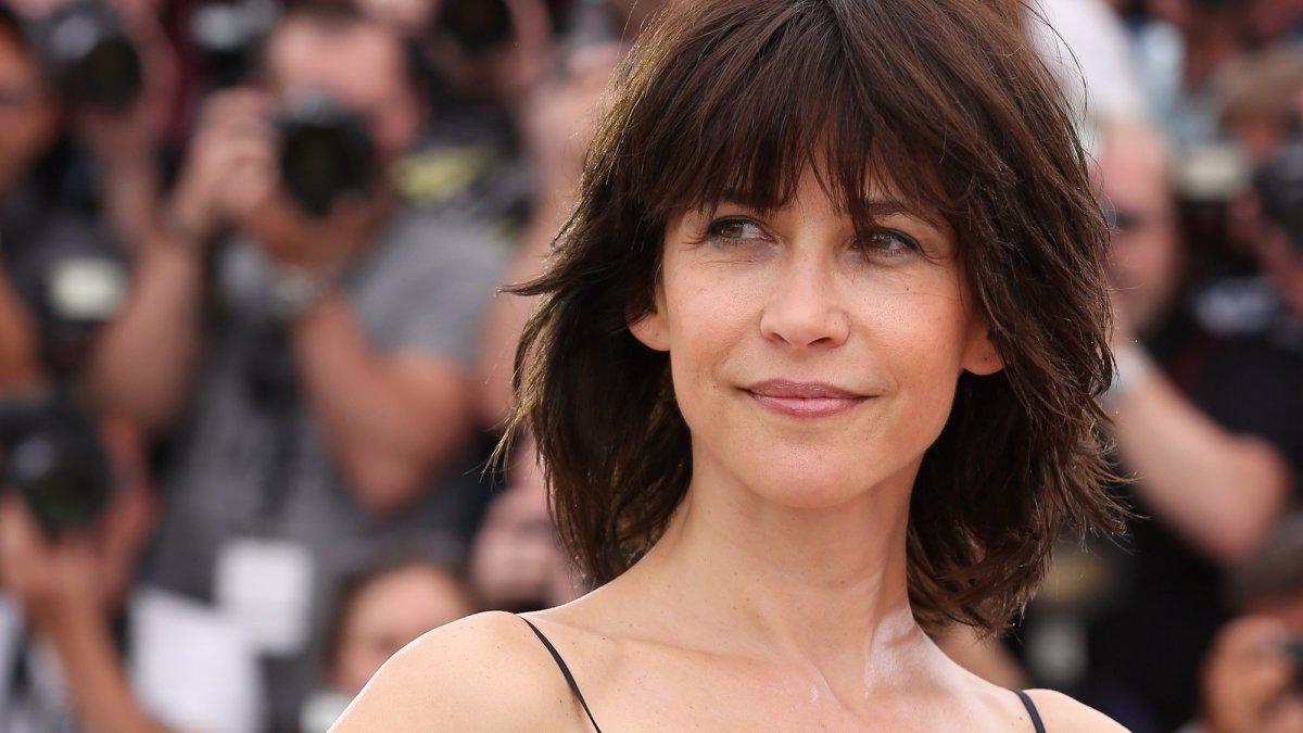 Sophie Marceau face à une nouvelle épreuve : l'actrice contrainte d'interrompre le tournage de son film