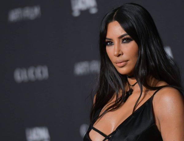 Kim Kardashian dévoile son incroyable photo de famille pour Halloween !