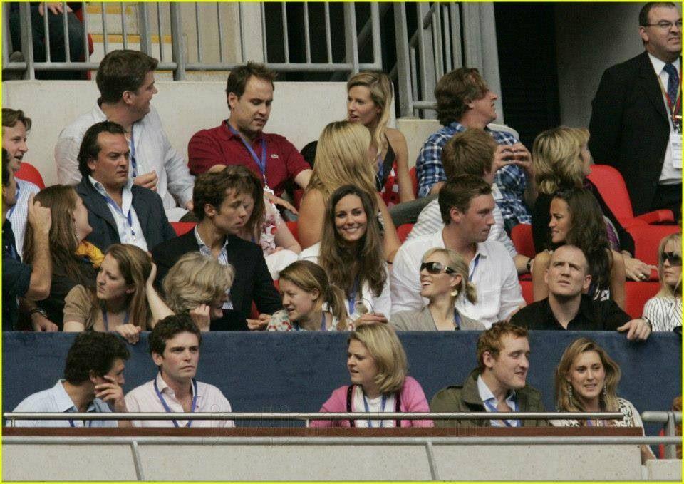 Le prince William en policier face à Kate Middleton en infirmière sexy : cette folle soirée qu'ils ne devraient pas oublier !