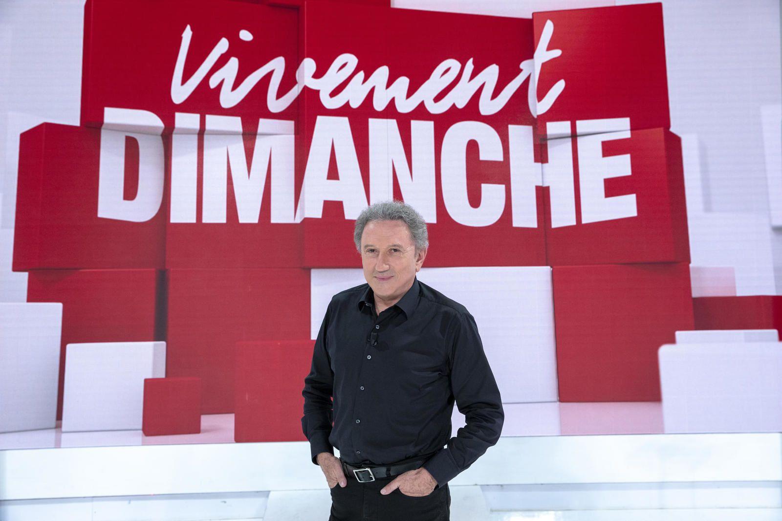 Michel Drucker : après son opération du coeur, l'état de santé de l'animateur s'est aggravé et a conduit à une nouvelle hospitalisation.