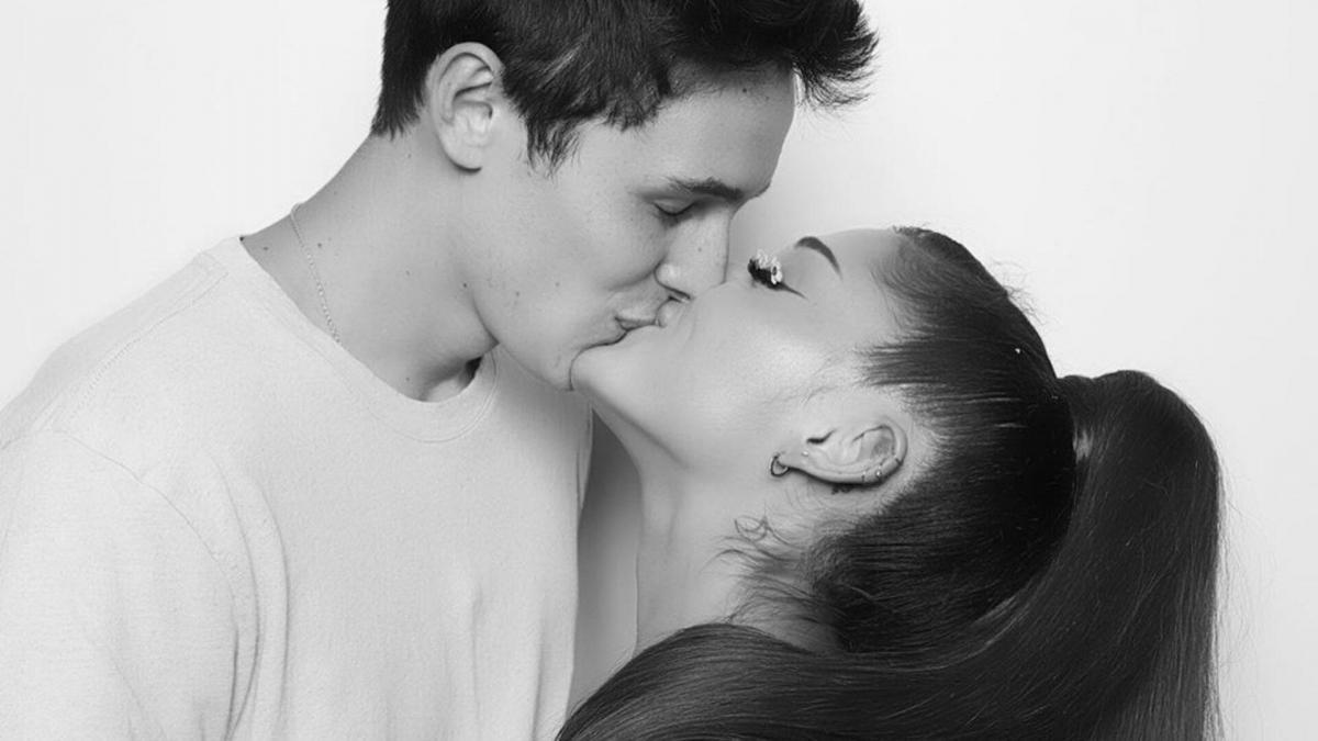 Ariana Grande fiancée à Dalton Gomez : Elle dévoile sa sublime bague