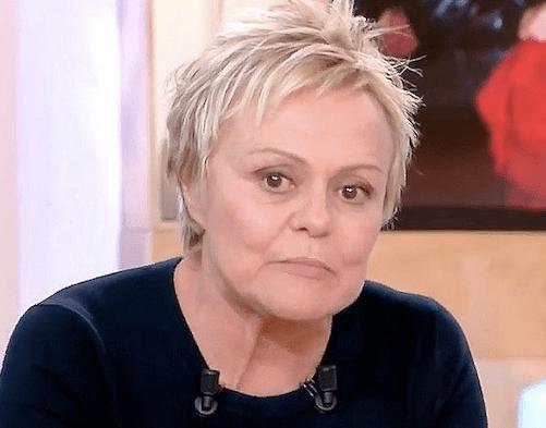 Muriel Robin évoque son homosexualité et son combat pour faire changer les mentalités