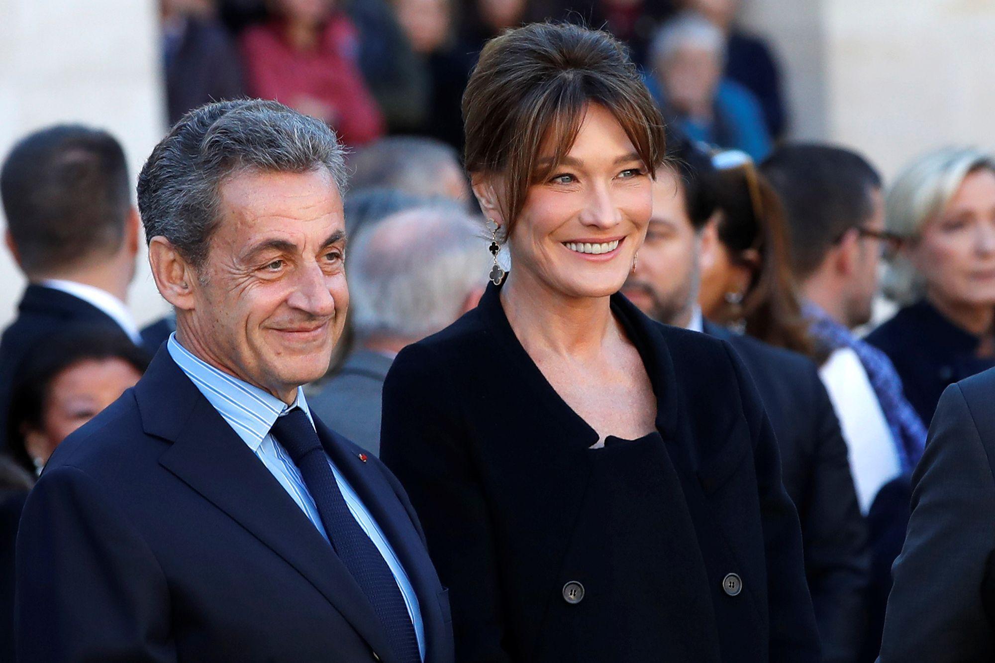 """Nicolas Sarkozy condamné à un an de prison ferme : Carla Bruni dénonce un """"acharnement insensé"""""""