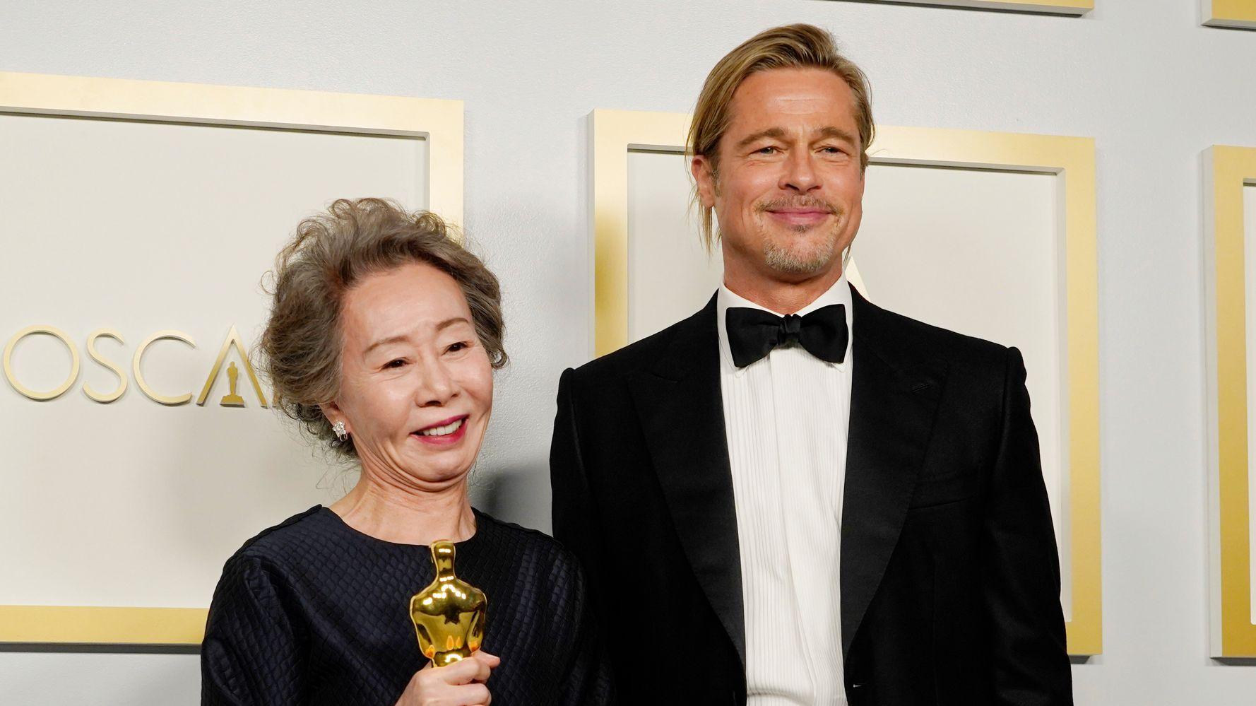 Oscars 2021 : Quand Brad Pitt se fait draguer sur scène par une comédienne !