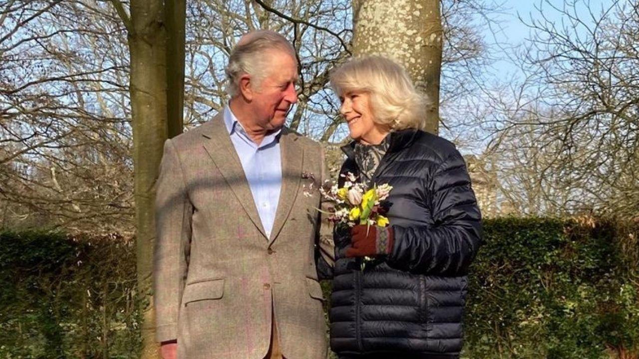 Prince Charles et Camilla Bowles : Leur prétendu fil caché dévoile une photo pour prouver ses dires