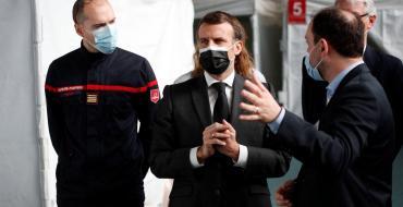 Emmanuel Macron explique pourquoi il ne compte pas se faire vacciner dans l'immédiat