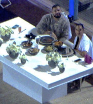 Drake privatise un stade pour dîner avec sa nouvelle petite-amie, un drone les surprend