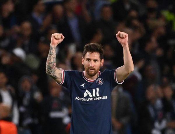 Lionel Messi : Le footballeur pose torse nu avec Neymar et Kylian Mbappé
