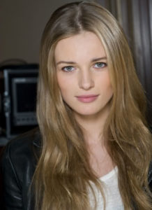 Emma Maclaren Measurements, Height, Weight, Bra Size, Age, Wiki, Affairs
