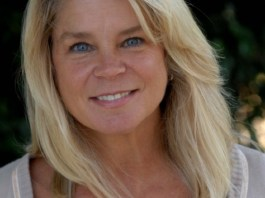 Kristine DeBell Measurements, Height, Weight, Bra Size, Age, Wiki, Affairs