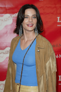 Terry Farrell Measurements, Height, Weight, Bra Size, Age, Wiki, Affairs