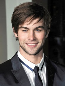 Chace Crawford Height, Weight, Body stats, Wiki