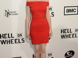Dominique McElligott Measurements Height Weight Bra Size Age Wiki Affairs