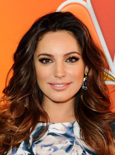 Kelly Brook Measurements Height Weight Bra Size Age Wiki Affairs