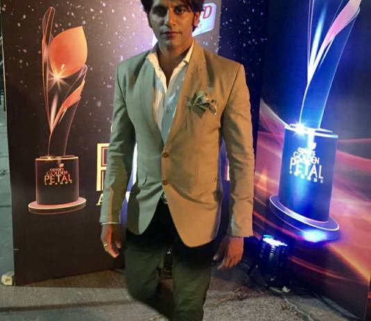 Karanvir Bohra Height Weight Body Stats Biceps Wiki Measurements