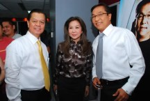 News staff threw a simple welcome ceremony for anchors Noli De Castro Korina Sanchez and Ted Failon at the newsroom before the telecast of TV Patrol