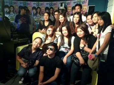 Daniel Padilla together with his fans