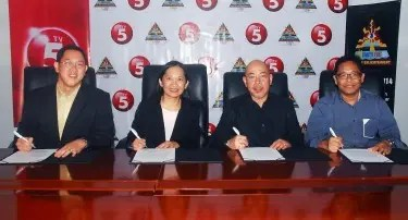 TV5 inks partnership with 4As for the upcoming AD Summit Pilipinas 2014 (L-R: TV5 Network Marketing Head Melvin Nubla, TV5 First Vice President and Media5 Head Jane Basas, 4As Philippines Chairman Alex Syfu, and AD Summit Pilipinas Ways and Means Committee Chair Nic Gabunada.