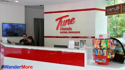 Tune-Hotel-Asoke-Reception