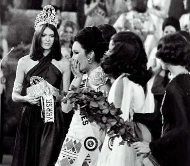 Margie Moran's crowning moment in Miss Universe 1973. Image courtesy of Missosology.