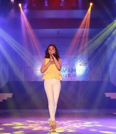 Maja Performs