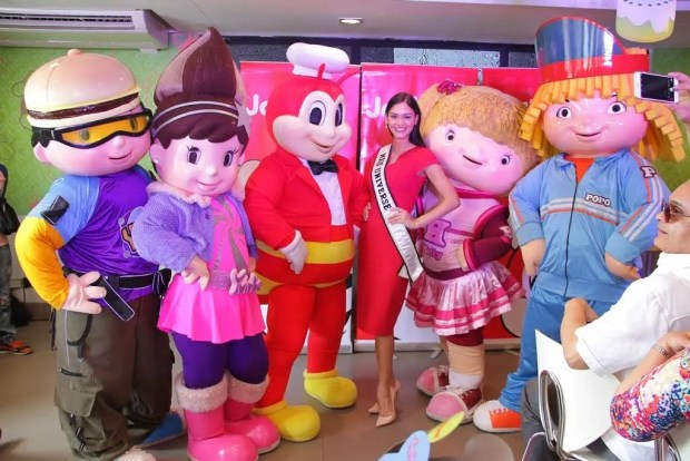 SQUADGOALS. Jollibee and Friends joined Miss Universe 2015 Pia Wurtzbach when she threw a kid's party for Manila's ERMA Foundation, a center for orphans. The kids spent the morning with dance numbers, surprise games, and sumptuous meals of Chickenjoy and sundaes, and special gifts from the Miss Universe herself.