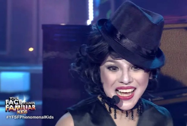 Awra as Liza Minelli