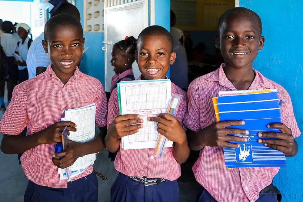 skolmaterial-haiti-boyer