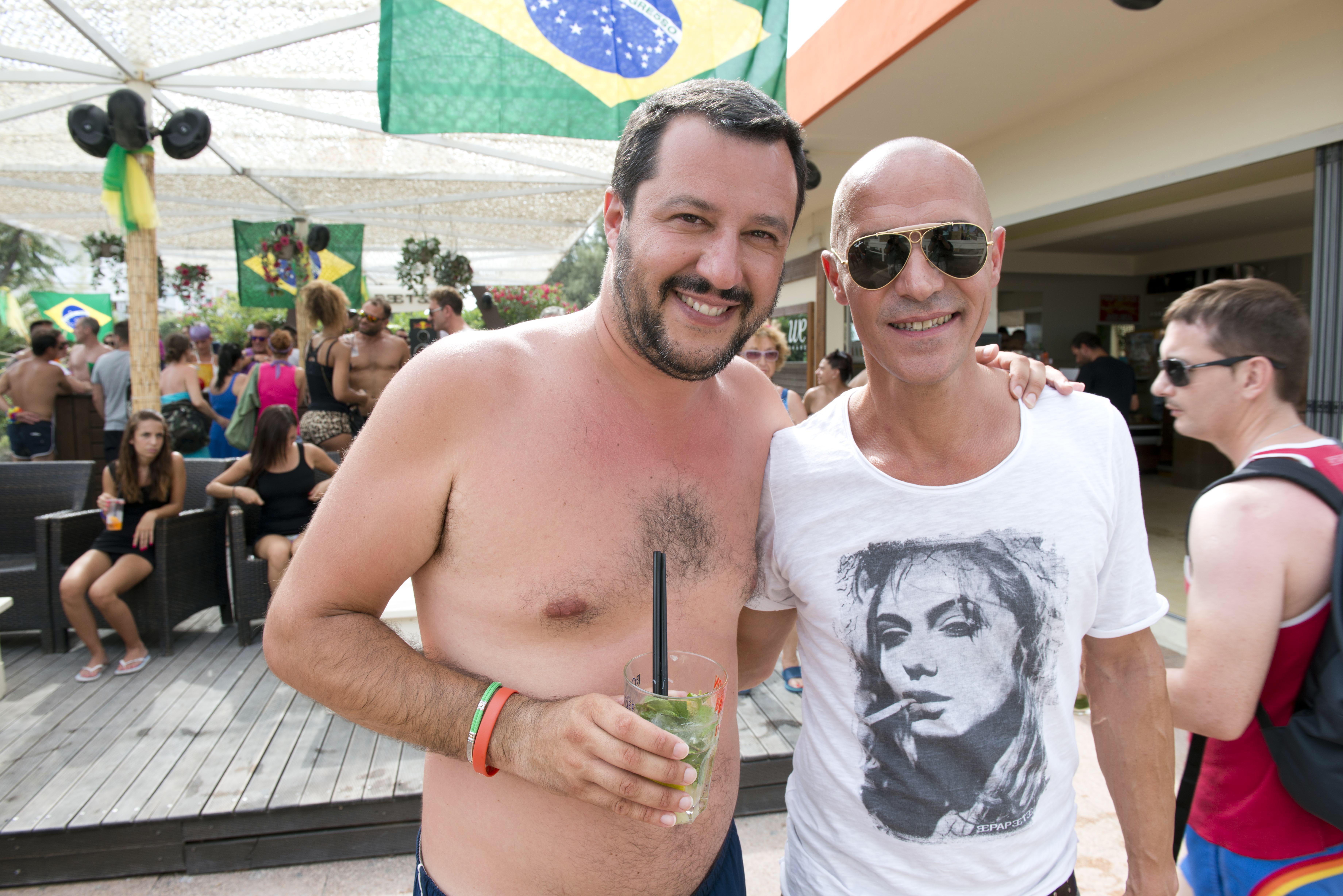 Matteo salvinii lega nord papeete Beach milano marittima