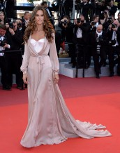 CANNES, FRANCE - MAY 17: Izabel Goulart attends the screening of 'Julieta' at the annual 69th Cannes Film Festival at Palais des Festivals on May 17, 2016 in Cannes, France. (Photo by Anthony Harvey/FilmMagic)
