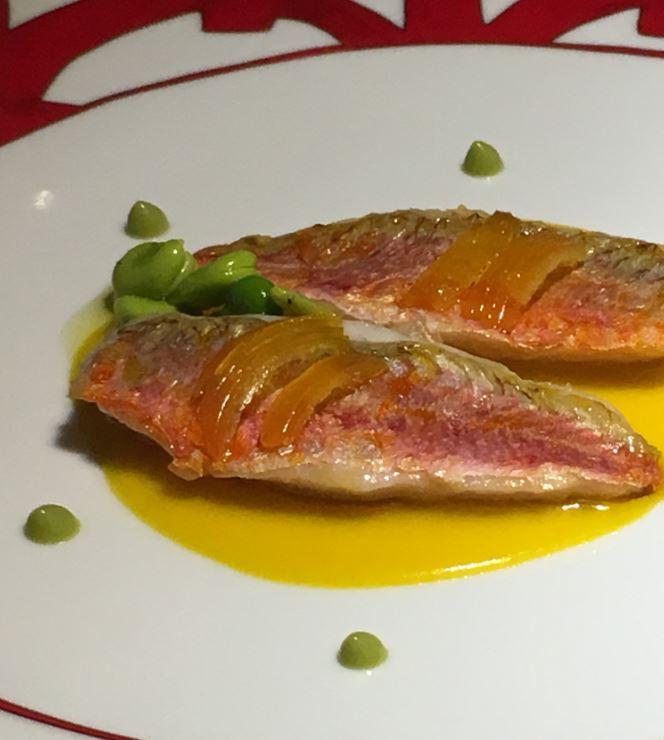 casa-vissani_-triglia-con-squame-di-mostarda-di-clementini-mela-curcuma-e-zucchine