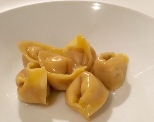 niko-romito-ristorante-reale_tortelli-con-pollo