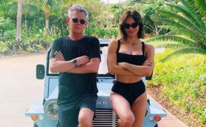 Katharine McPhee & David Foster Looks Happy During Vacation in Hawaii
