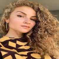Who is Karina Palmira?