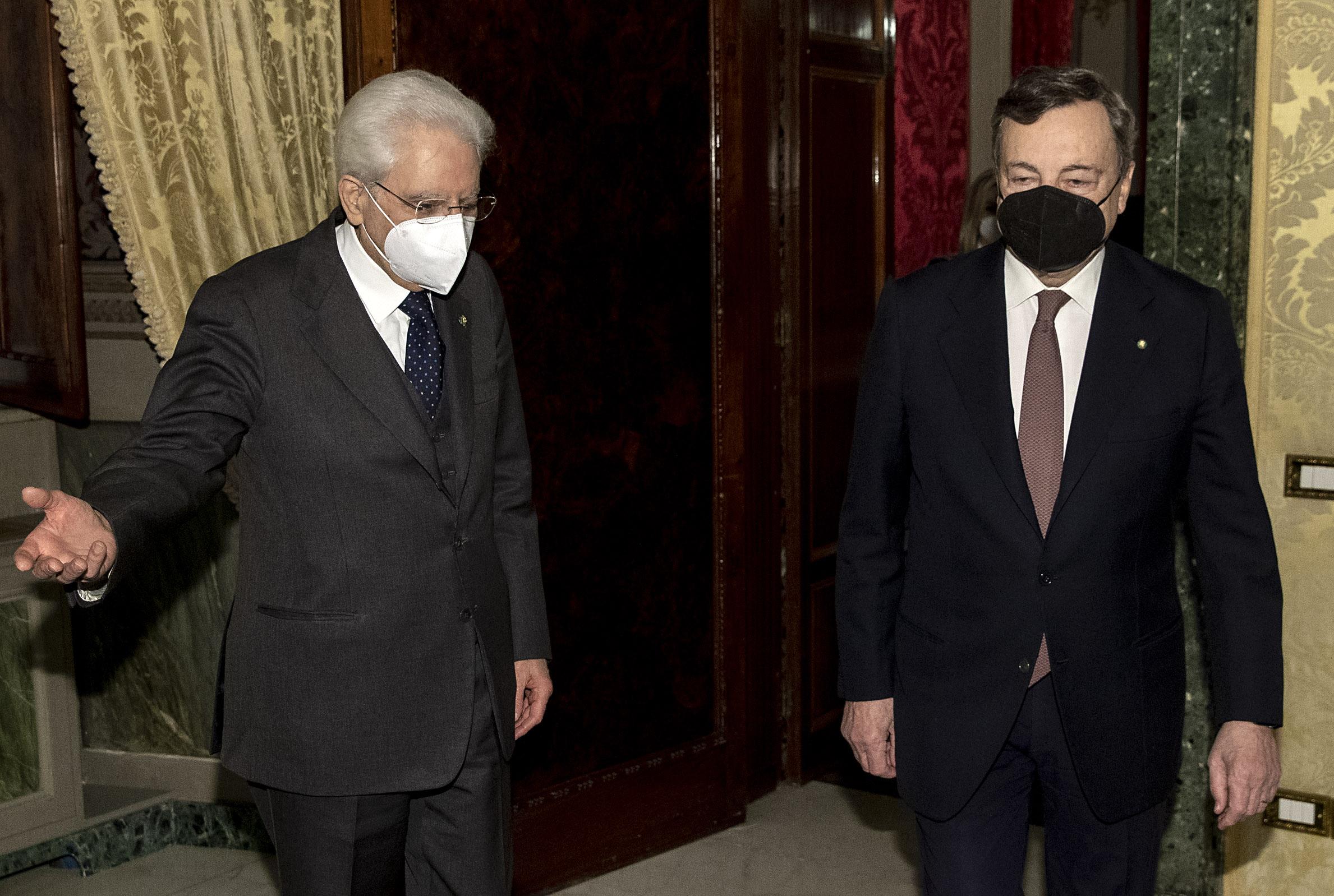 我告訴你,馬塔雷拉和德拉吉將(不會)對俄羅斯和中國採取什麼行動。教授。皮蘭達