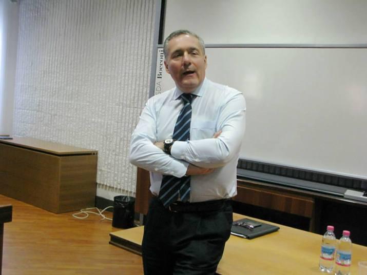 Ο Alfredo Altavilla, ο οποίος θα είναι ο νούμερο ένα της Ita (μετά την Alitalia) που επέλεξαν οι Draghi, Franco και Giorgetti