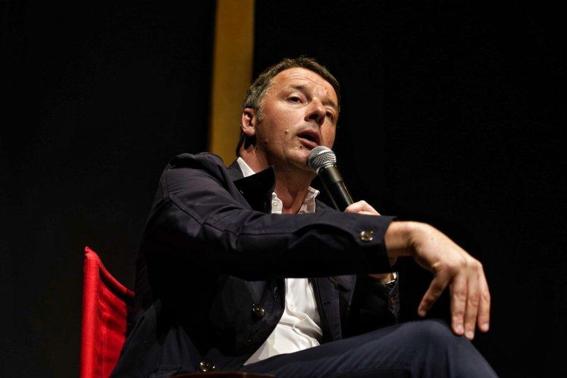 Де-факто любит между Ренци и Грилло против досрочных выборов