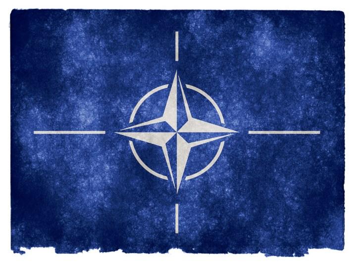 Que signifie l'expulsion des diplomates russes décidée par l'OTAN ?