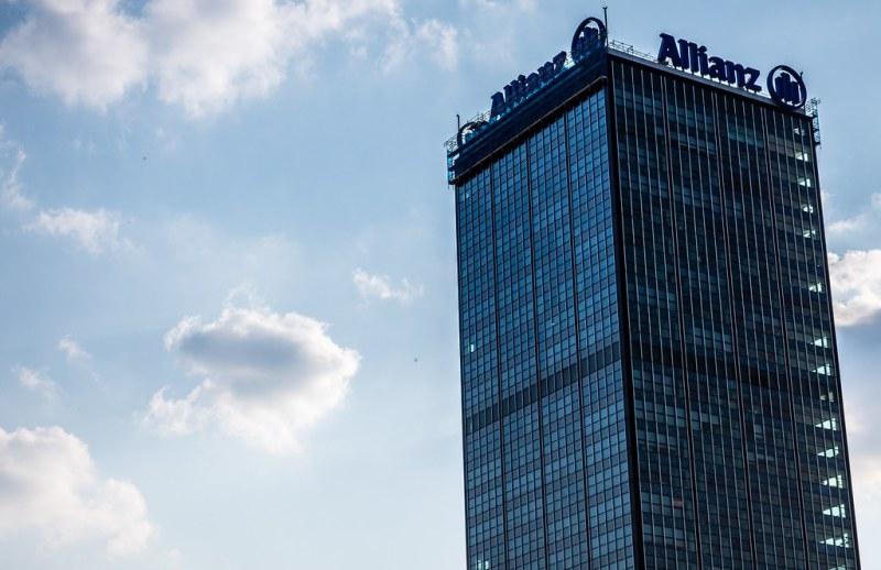 Поскольку Германия также расследует Allianz